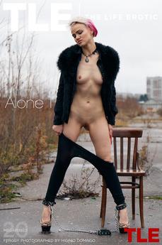 TheLifeErotic - Ferggy - Alone 1 by Higinio Domingo