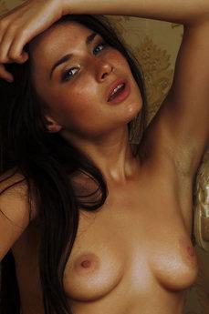 Nia - The Life Erotic Model